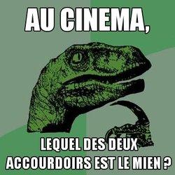 Raptor philosophe : Au cinéma, lequel des deux accoudoirs est le mien ?