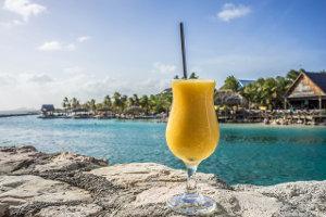 Un cocktail sur une plage